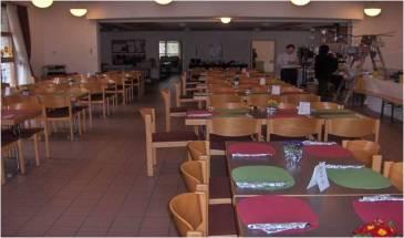 Festbestuhlung im Saal mit 70 Essplätzen